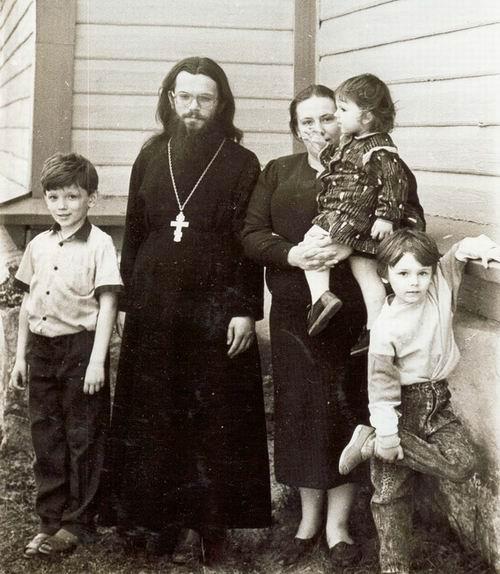 Отец Виктор